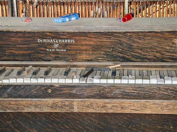 Abandoned Hospital - Piano 2