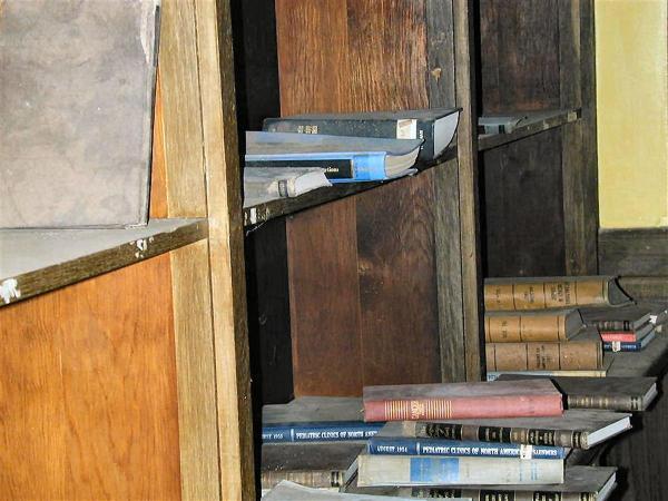 Abandoned Hospital - Bookshelves 1