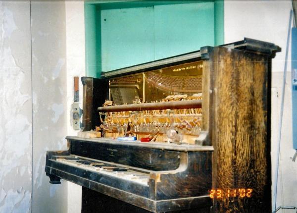 Abandoned Hospital - Piano 1