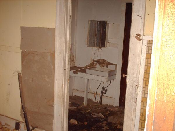 Abanoned House - Bathroom