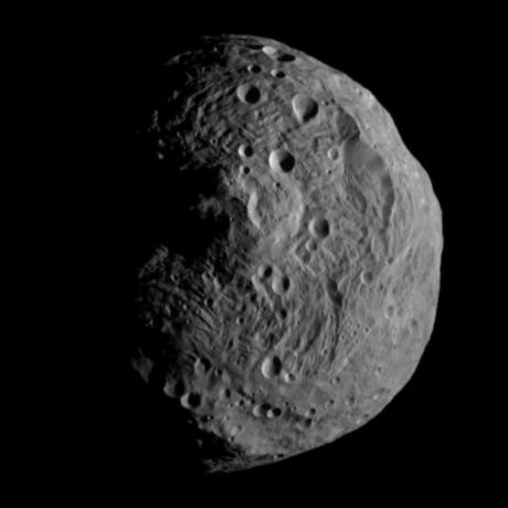 First image obtained by NASA's Dawn spacecraft after entering orbit around Vesta