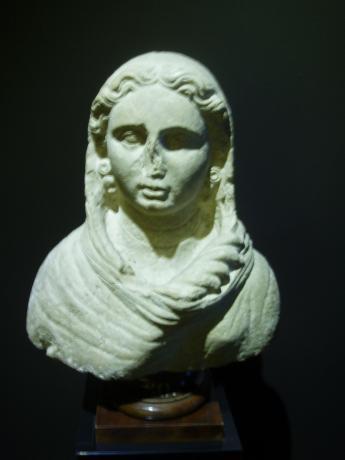 Etruscian sculpture
