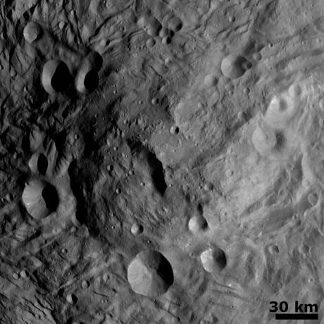 Vesta - Central Mound at the South Pole