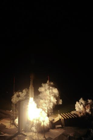 Liftoff of Ariane 5 VA205 with ATV-3 seen from the 90-m high water tower