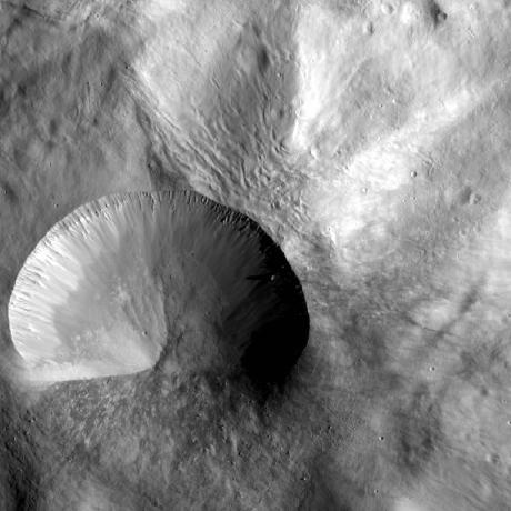 Vesta - Layered Young Crater