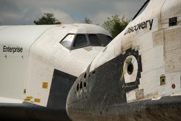 Discovery's Last Voyage - Shuttle Discovery Arrives at Udvar-Hazy