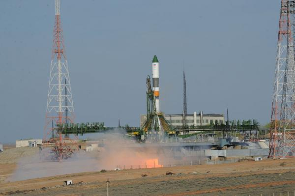 Launch of Progress M-15M