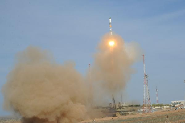 Launch of Progress M-15M