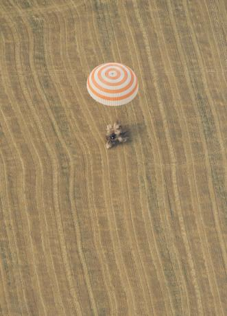 International Space Station - Expedition 30 Landing