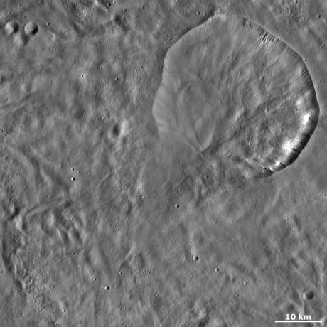Vesta - Aquilia crater