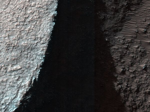 Mars Reconnaissance Orbiter - A Trough within Ladon Basin