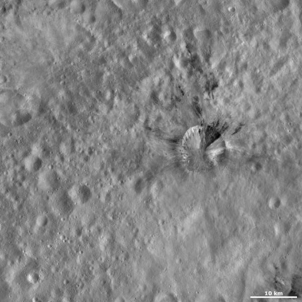 Vesta - Rubria crater