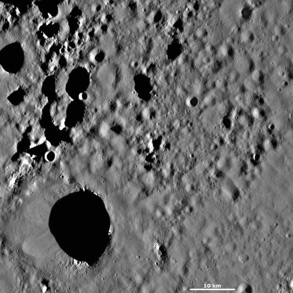 Vesta - Scantia crater