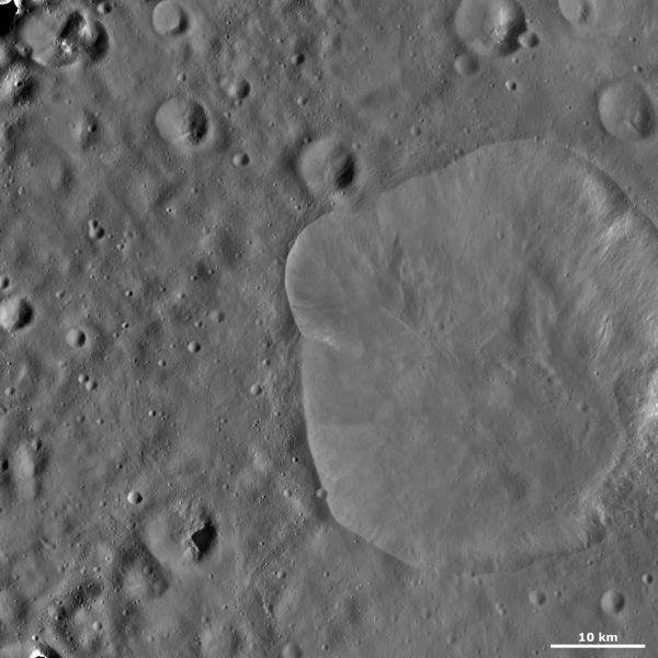 Vesta - Lepida crater