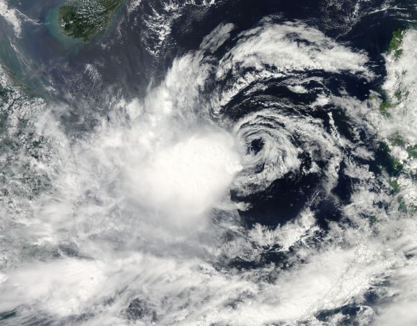 Tropical Storm Gaemi (21W) approaching Vietnam
