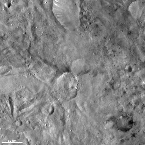 Vesta - Helena and Laelia craters