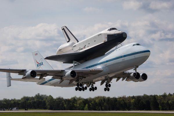 Enterprise on the move - Shuttle Enterprise Flight To New York