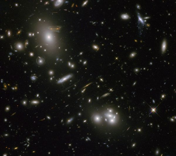 Hubble Sees 'Space Invader' Image