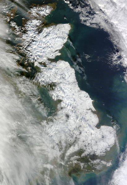 Snow in eastern England and Scotland