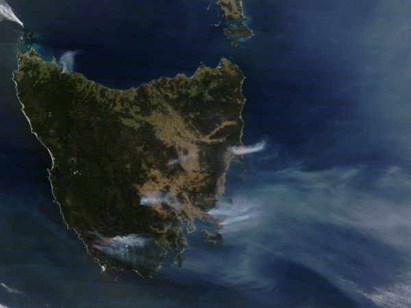 Fires and smoke in Tasmania