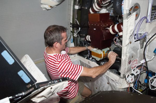 Astronaut Chris Hadfield Installs Valve