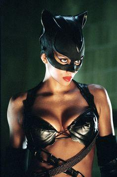 Catwoman_(Halle_Berry)_8.jpg