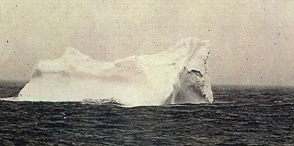 Titanic_Eisberg963.jpg