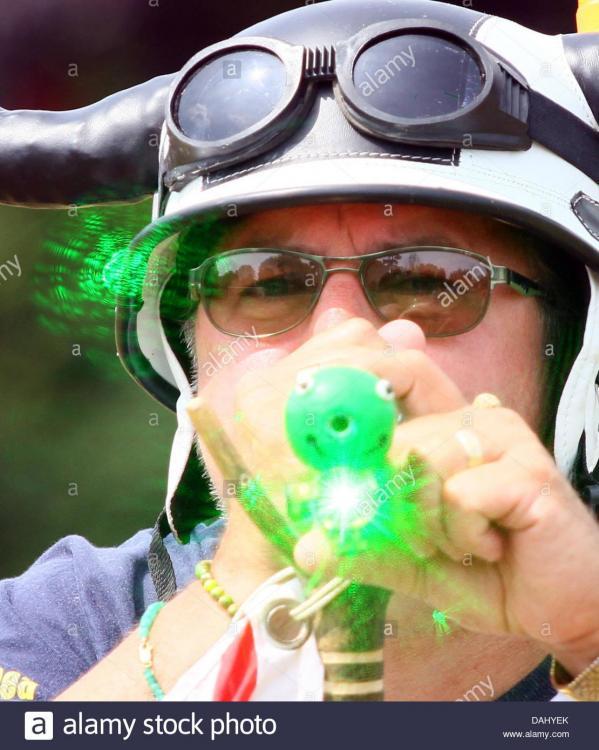 world-pea-shooting-championships-13072013-ian-ashmeade-competes-in-DAHYEK.jpg