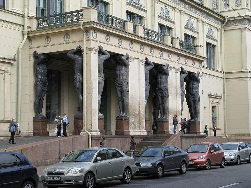 800px-Atlantes-Saint_Petersburg-6.jpg