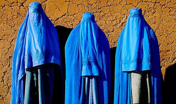 Muslims-burka-729845.jpg