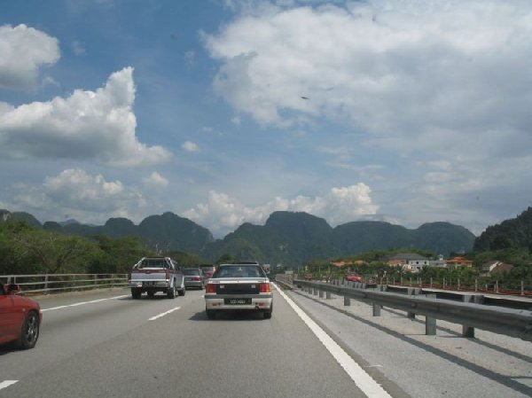 UFO from IPOH @ N4.59222 E101.08984
