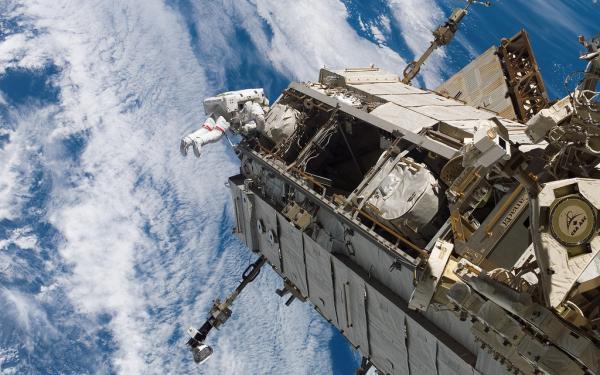 NASA STS-118 (1)