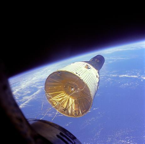 Gemini VI Views Gemini VII