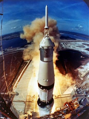 The Road to Apollo — Apollo 11 Liftoff