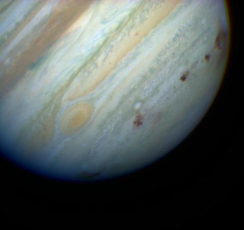 Color Image of Multiple P/Shoemaker-Levy 9 Comet Impacts on Jupiter
