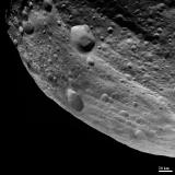 Equatorial Grooves Imaged at the Limb of Vesta
