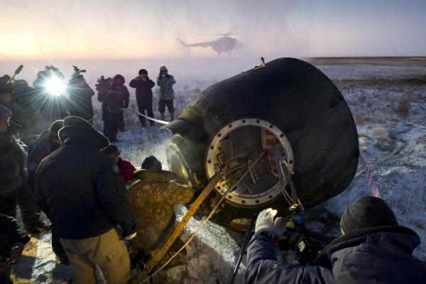 Expedition 29 Crew Lands