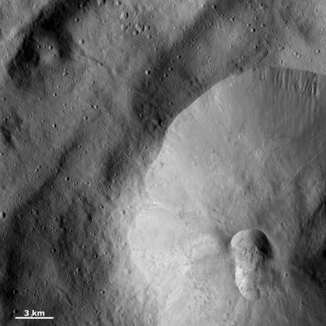 Vesta - Double crater