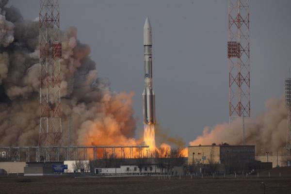 Proton M Delivers Satellite to Target Orbit for Intelsat