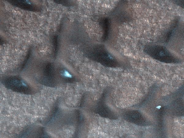 Mars Reconnaissance Orbiter - Summer is on Its Way