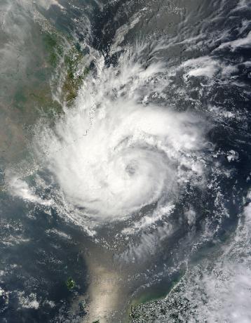 Typhoon Pakhar (02W) approaching Vietnam