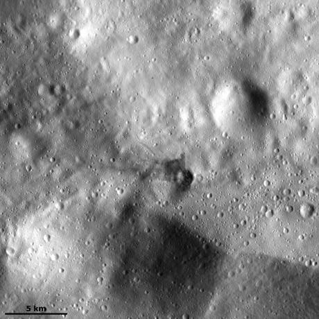 Vesta - Dark material in the ejecta of a small crater