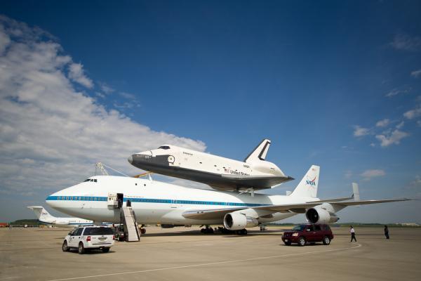 Enterprise on the move - Shuttle Enterprise Ready For Flight
