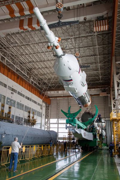 Expedition 31 Soyuz Assembly