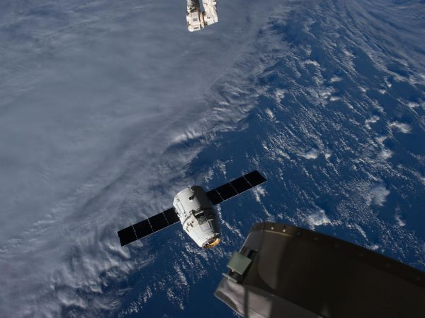 International Space Station - SpaceX Dragon