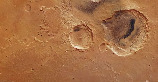 Mars Express - Danielson and Kalocsa craters