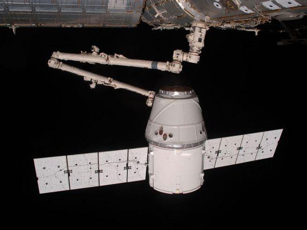 International Space Station - Canadarm2 Grapples Dragon