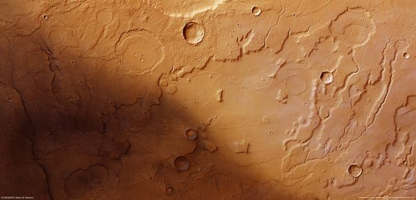 Mars Express - Signs of ancient flowing water on Mars