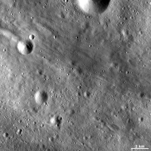 Patterns in Vesta's regolith