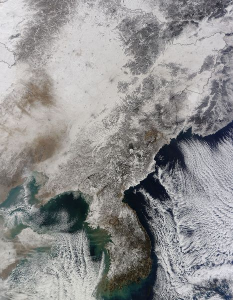 Snow in Korea and eastern China